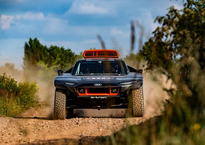 Audi RS Q e-tron – twin motor electric off-roader, TFSI engine to recharge battery; to race in 2022 Dakar Rally Image #1322844
