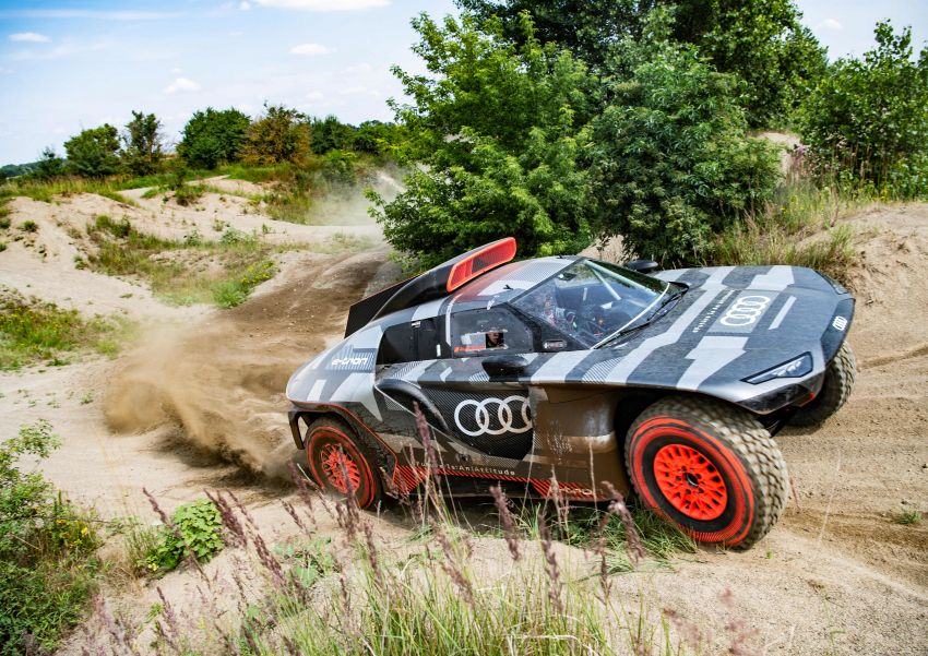 Audi RS Q e-tron – twin motor electric off-roader, TFSI engine to recharge battery; to race in 2022 Dakar Rally Image #1322855