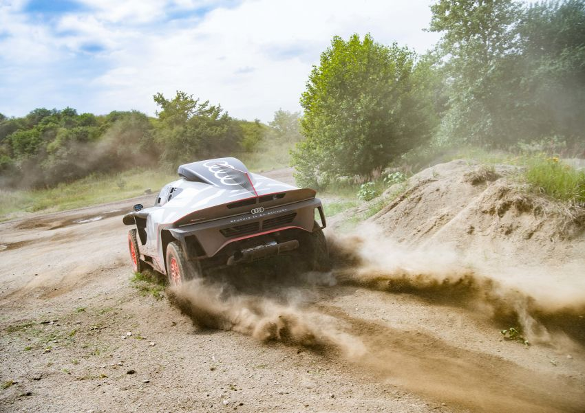 Audi RS Q e-tron – twin motor electric off-roader, TFSI engine to recharge battery; to race in 2022 Dakar Rally Image #1322857