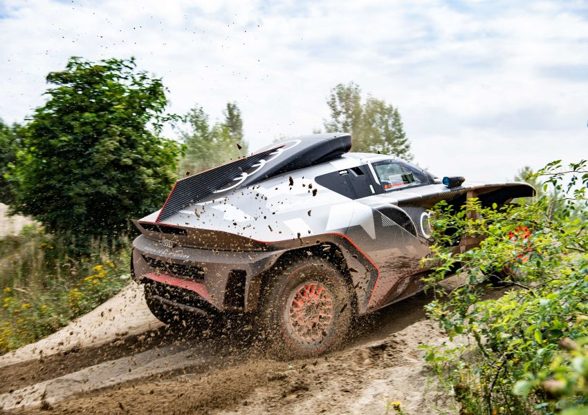 Audi RS Q e-tron – twin motor electric off-roader, TFSI engine to recharge battery; to race in 2022 Dakar Rally Image #1322863