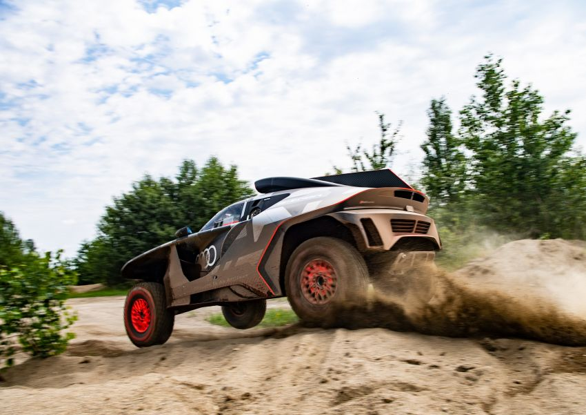 Audi RS Q e-tron – twin motor electric off-roader, TFSI engine to recharge battery; to race in 2022 Dakar Rally Image #1322864