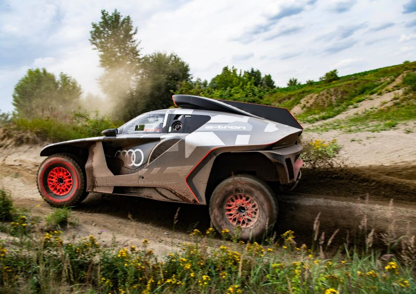 Audi RS Q e-tron – twin motor electric off-roader, TFSI engine to recharge battery; to race in 2022 Dakar Rally Image #1322865