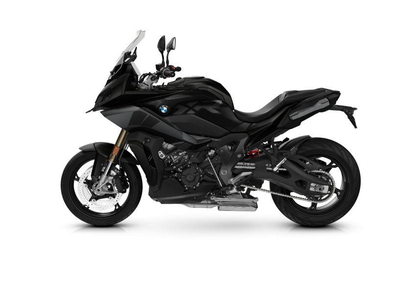 2022 BMW Motorrad S1000RR new colour, M Package – new colour schemes for S1000XR adventure-tourer Image #1314390
