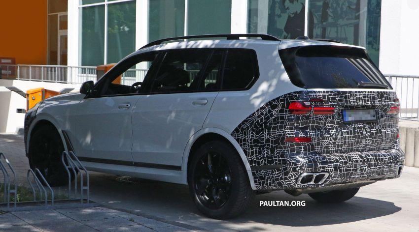 SPYSHOTS: BMW X7 LCI to come with split headlights Image #1315878