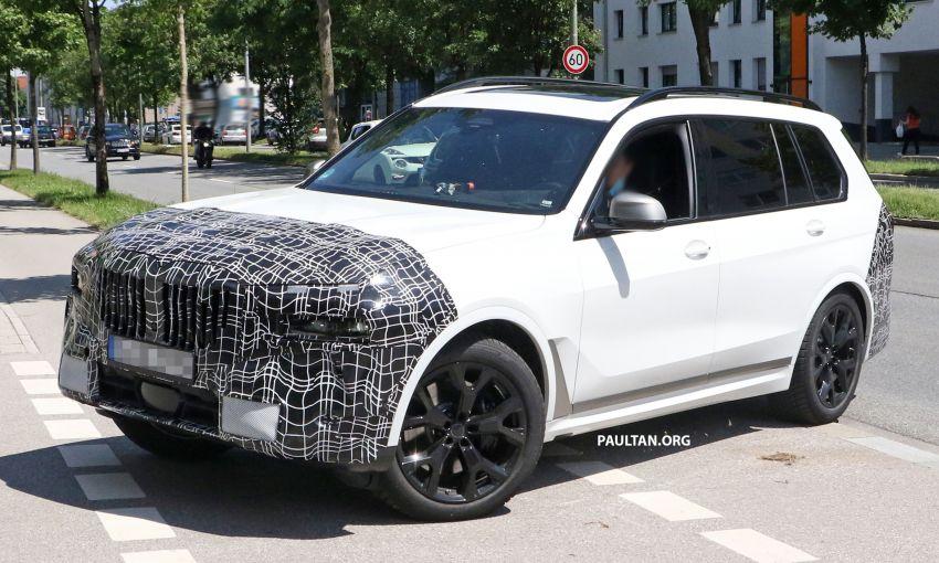 SPYSHOTS: BMW X7 LCI to come with split headlights Image #1315873