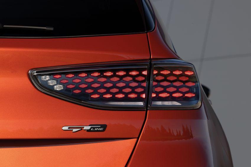 Kia Ceed 2022 dilancarkan – rekaan luaran lebih segar, ciri keselamatan dinaiktaraf, dijual mulai Q4 2021 Image #1319536