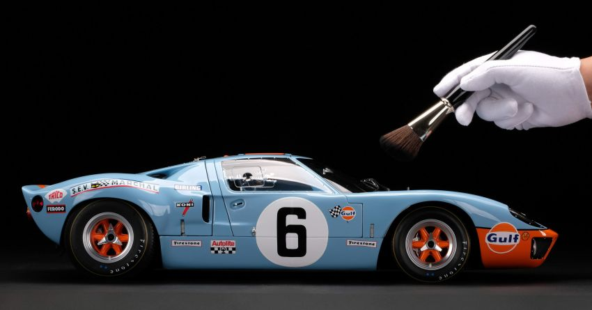 1969 Le Mans-winning Ford GT40 expertly recreated as a 1:8 scale model by Amalgam Collection – RM55k Image #1321444