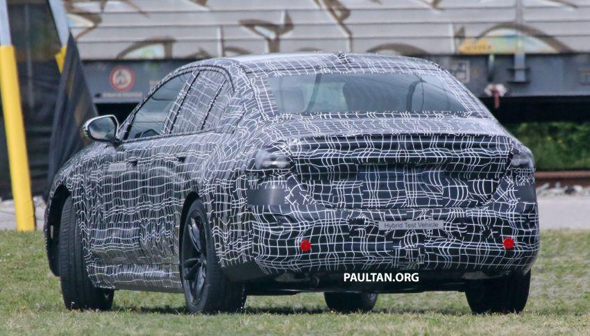 SPYSHOTS: 2024 G60 BMW 5 Series hybrid, EV seen Image #1315976