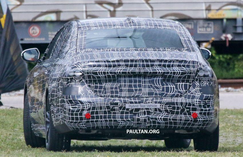 SPYSHOTS: 2024 G60 BMW 5 Series hybrid, EV seen Image #1315977
