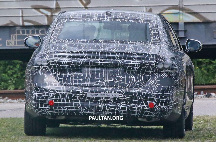 SPYSHOTS: 2024 G60 BMW 5 Series hybrid, EV seen Image #1315979