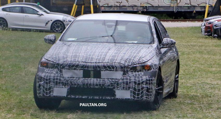 SPYSHOTS: 2024 G60 BMW 5 Series hybrid, EV seen Image #1315980