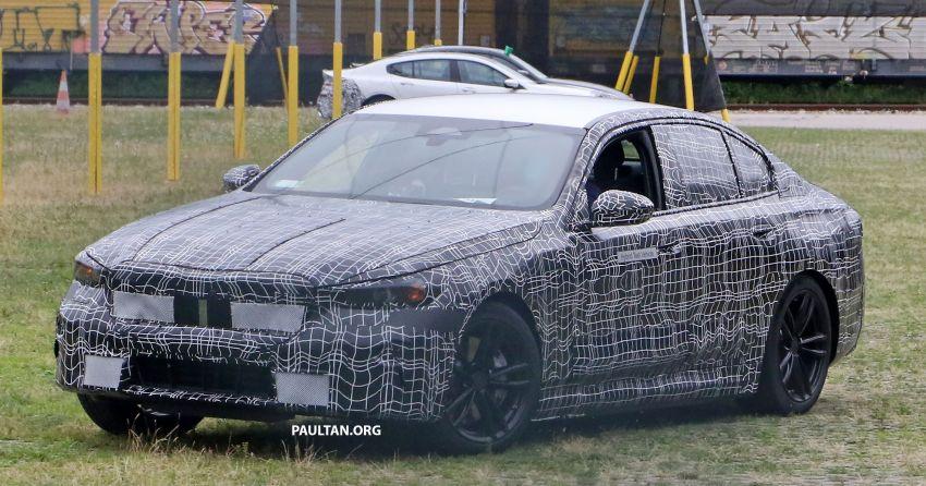 SPYSHOTS: 2024 G60 BMW 5 Series hybrid, EV seen Image #1315983