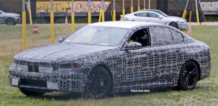 SPYSHOTS: 2024 G60 BMW 5 Series hybrid, EV seen Image #1315985