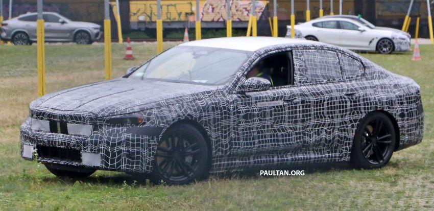 SPYSHOTS: 2024 G60 BMW 5 Series hybrid, EV seen Image #1315986