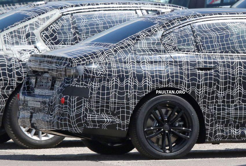 SPYSHOTS: 2024 G60 BMW 5 Series hybrid, EV seen Image #1315962
