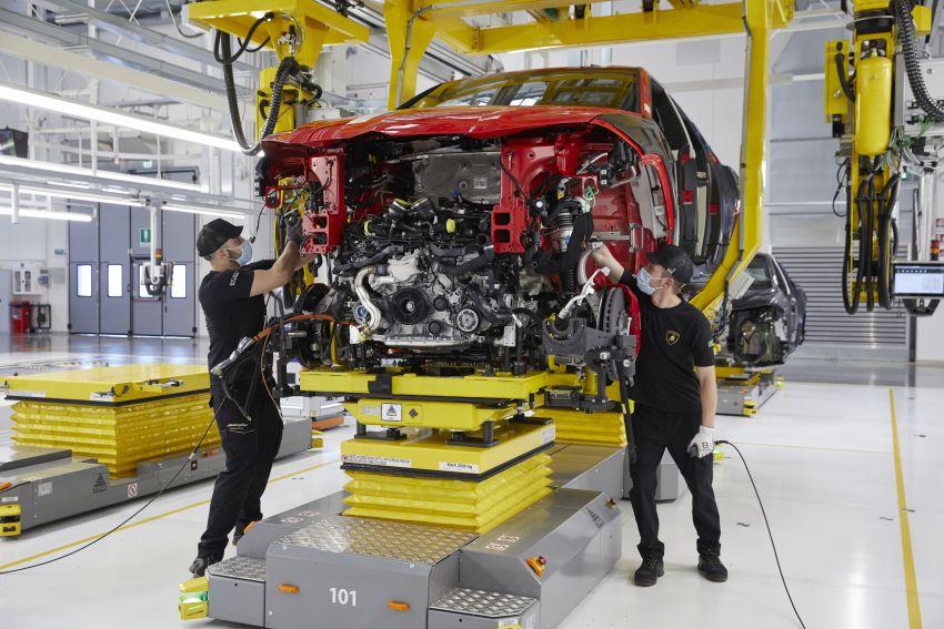 Lamborghini Urus – produksi capai angka 15,000 unit hanya dalam tiga tahun, rekod baharu untuk syarikat Image #1321369