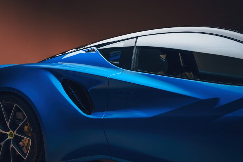 Lotus Emira debuts – 3.5L V6 and AMG 2.0L turbo four-cylinder; up to 400 hp, 430 Nm; manual, auto and DCT Image #1315830