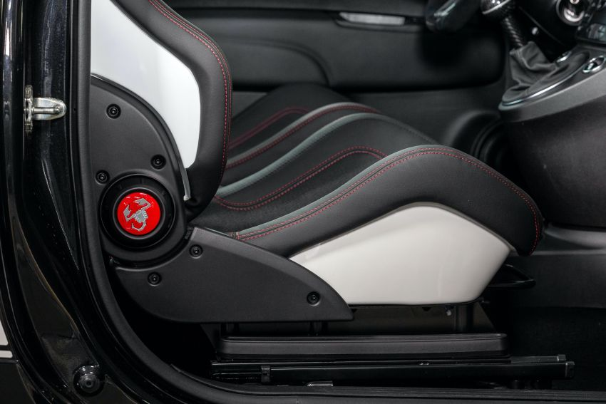 Abarth 695 Esseesse debuts – lighter with bespoke styling; 180 PS 1.4L turbo engine; limited to 1,390 units Image #1315420