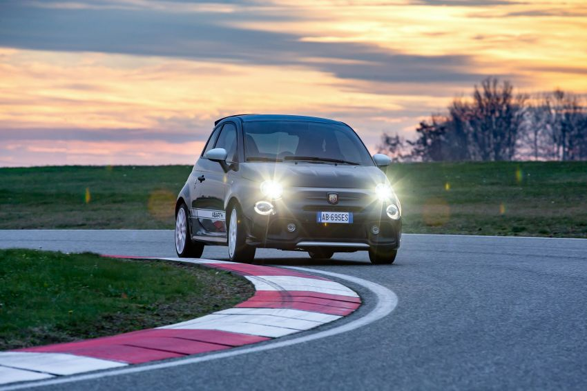 Abarth 695 Esseesse debuts – lighter with bespoke styling; 180 PS 1.4L turbo engine; limited to 1,390 units Image #1315425