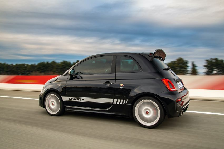 Abarth 695 Esseesse debuts – lighter with bespoke styling; 180 PS 1.4L turbo engine; limited to 1,390 units Image #1315409