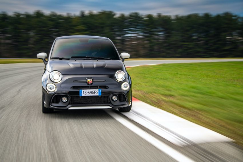 Abarth 695 Esseesse debuts – lighter with bespoke styling; 180 PS 1.4L turbo engine; limited to 1,390 units Image #1315428