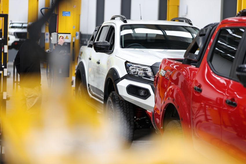 Nissan Navara Pro-4X Warrior launched in Australia – rugged pick-up with revised suspension, new styling Image #1314712