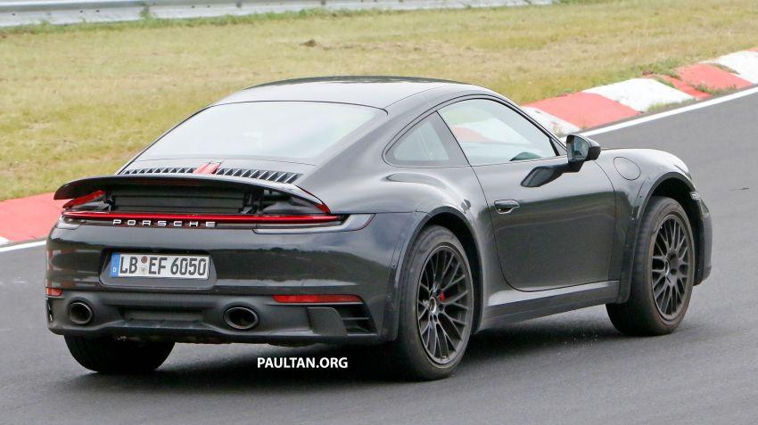 SPYSHOTS: Porsche 911 'Safari' seen testing on track Image #1318187