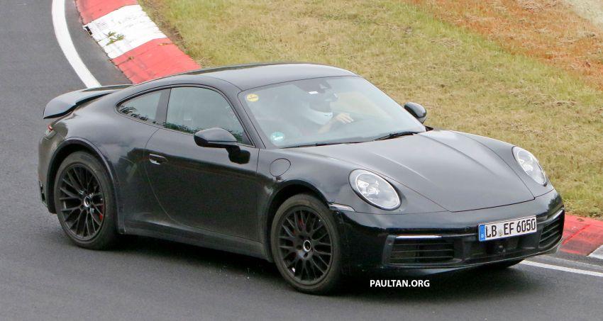 SPYSHOTS: Porsche 911 'Safari' seen testing on track Image #1318179