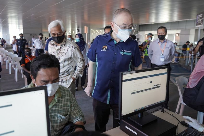 Prasarana opens vaccination centres (PPV) at Putra Heights LRT station and Cheras Selatan bus complex Image #1321431