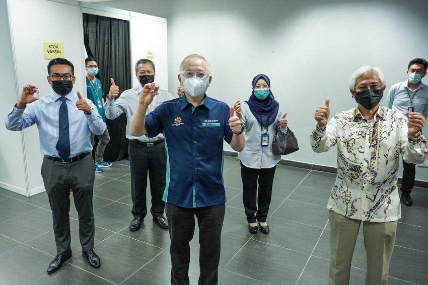 Prasarana opens vaccination centres (PPV) at Putra Heights LRT station and Cheras Selatan bus complex Image #1321435