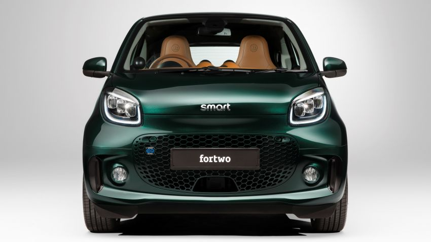 2021 smart EQ fortwo Racing Green Edition unveiled Image #1321799