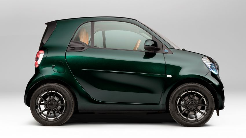 2021 smart EQ fortwo Racing Green Edition unveiled Image #1321802