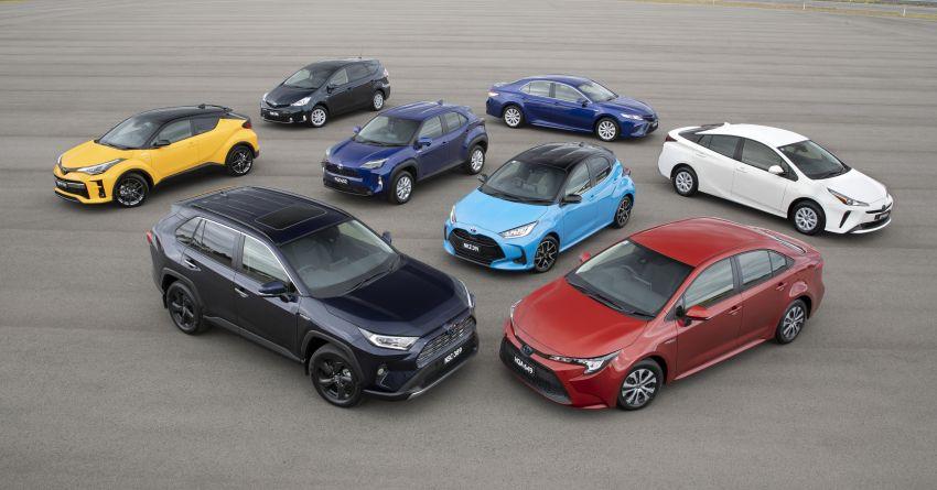 Toyota celebrates 200,000 hybrid car sales in Australia Image #1322072