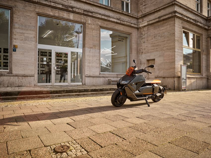 2021 BMW Motorrad CE04 e-scooter with 42 hp motor Image #1316434