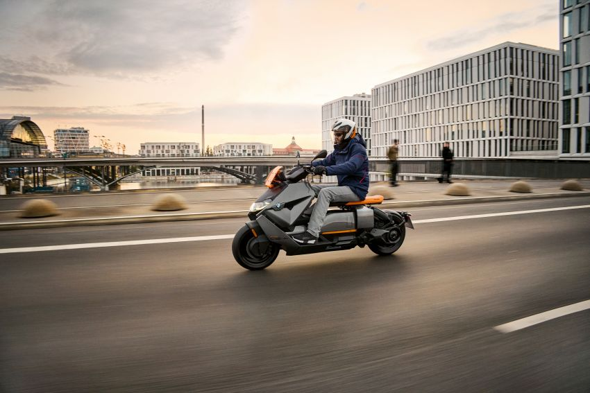 2021 BMW Motorrad CE04 e-scooter with 42 hp motor Image #1316446