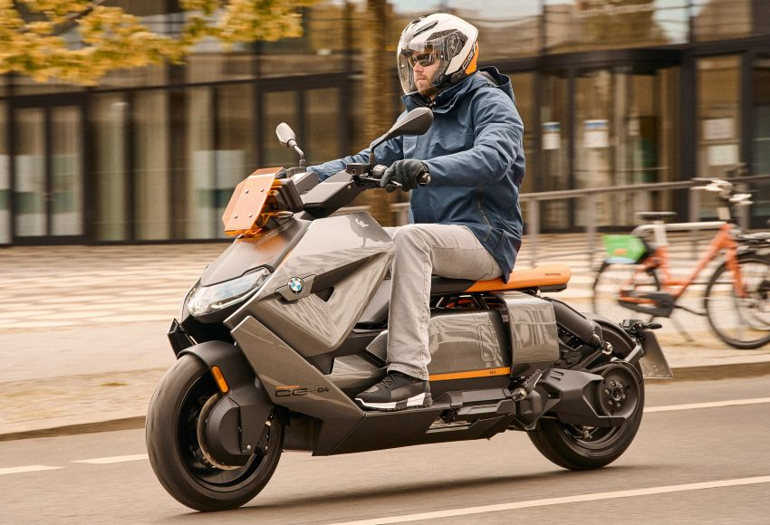 2021 BMW Motorrad CE04 e-scooter with 42 hp motor Image #1316451