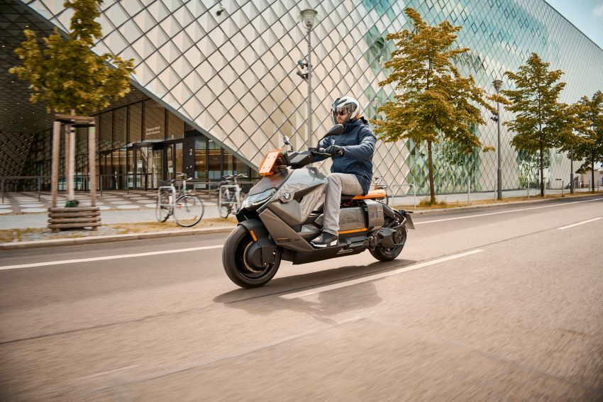 2021 BMW Motorrad CE04 e-scooter with 42 hp motor Image #1316452