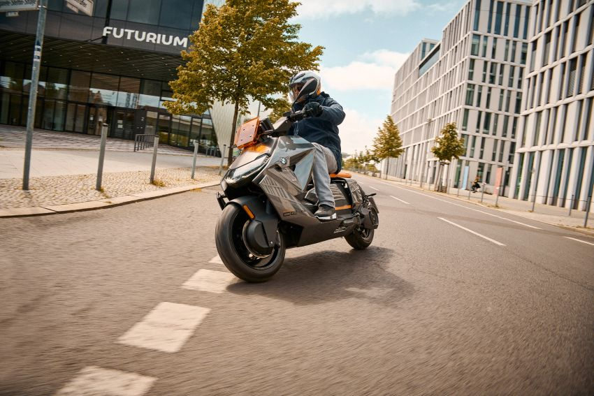 2021 BMW Motorrad CE04 e-scooter with 42 hp motor Image #1316453
