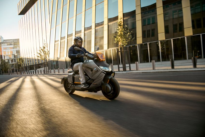 2021 BMW Motorrad CE04 e-scooter with 42 hp motor Image #1316465