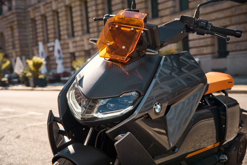 2021 BMW Motorrad CE04 e-scooter with 42 hp motor Image #1316469