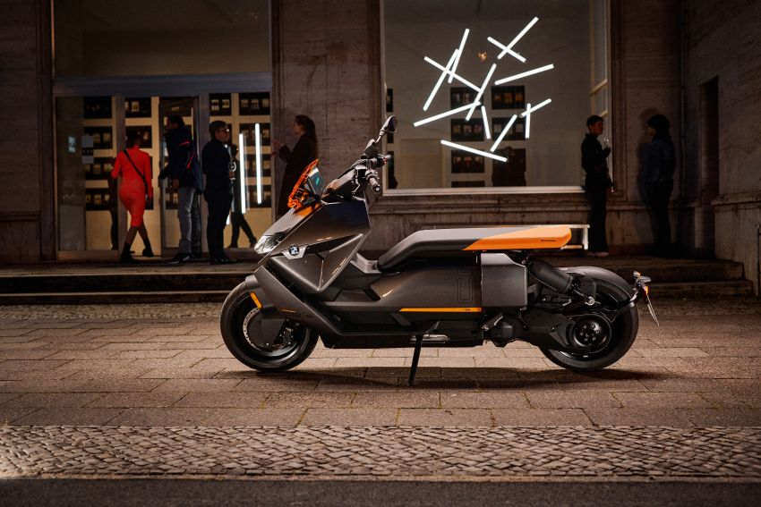 2021 BMW Motorrad CE04 e-scooter with 42 hp motor Image #1316444