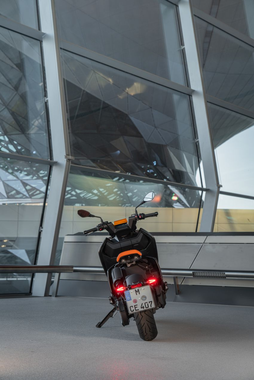 2021 BMW Motorrad CE04 e-scooter with 42 hp motor Image #1316478