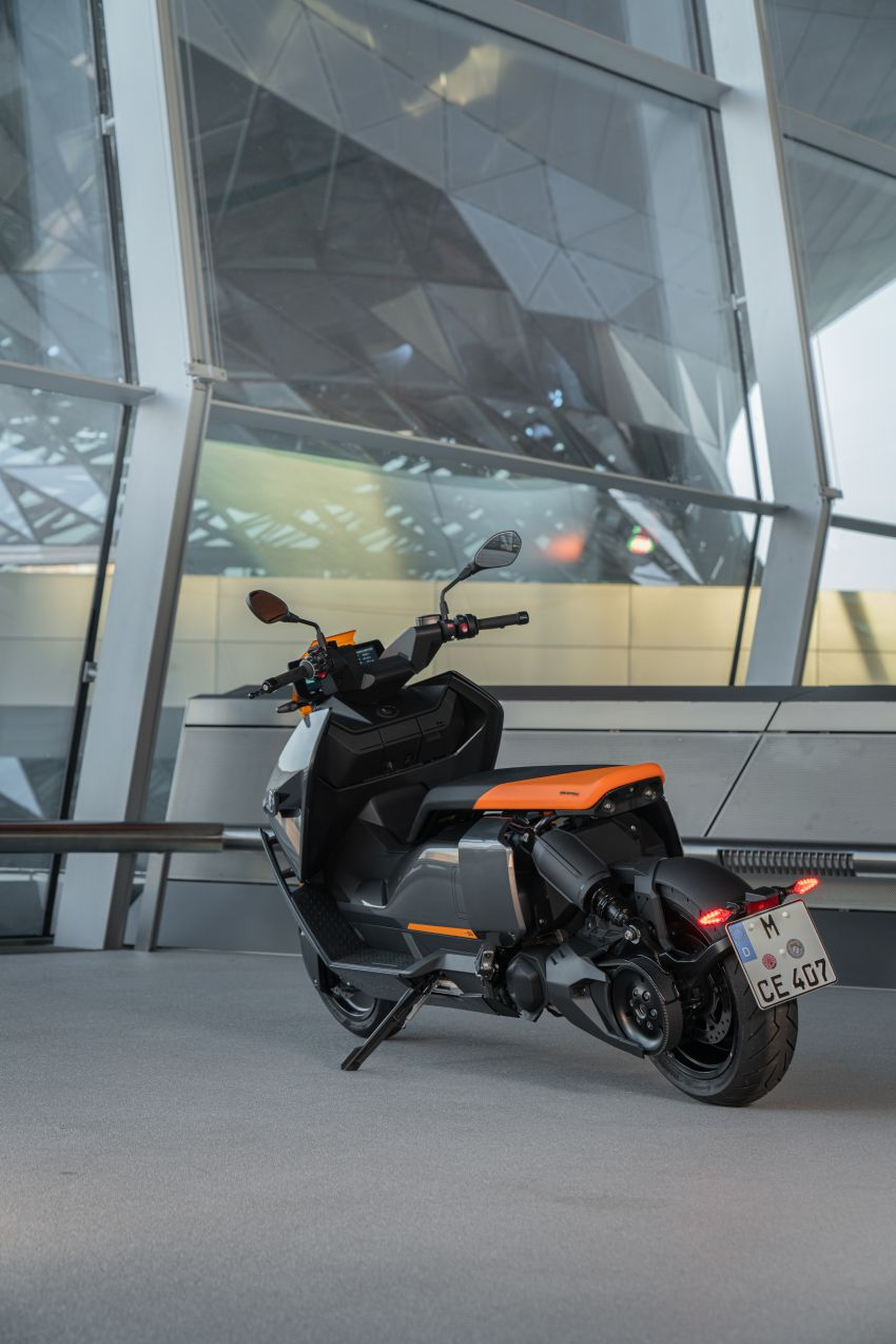 2021 BMW Motorrad CE04 e-scooter with 42 hp motor Image #1316480