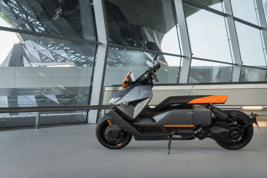 2021 BMW Motorrad CE04 e-scooter with 42 hp motor Image #1316482
