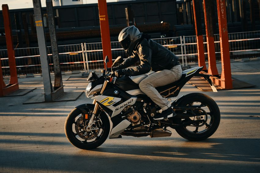 2021 BMW Motorrad S1000R naked sports launched in Malaysia, Style Sport at RM105k, M Package at RM120k Image #1336913