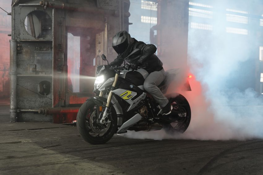 2021 BMW Motorrad S1000R naked sports launched in Malaysia, Style Sport at RM105k, M Package at RM120k Image #1336915