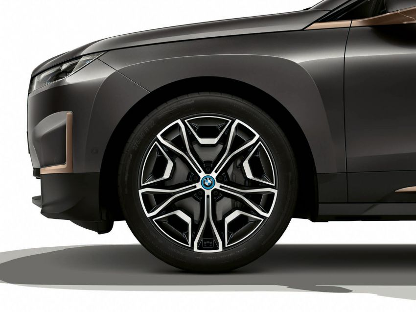 BMW iX xDrive40 EV SUV launched in Malaysia – CBU, 322 hp and 630 Nm, 425 km range, priced from RM420k Image #1335922
