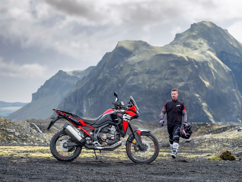2022 Honda CRF1100L Africa Twin and Africa Twin Adventure Sports updated – rear carrier, lower screen Image #1337173