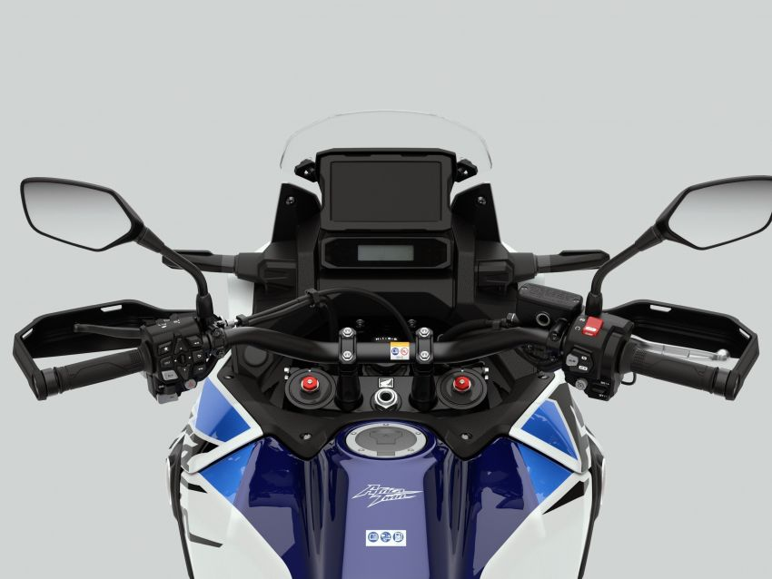 2022 Honda CRF1100L Africa Twin and Africa Twin Adventure Sports updated – rear carrier, lower screen Image #1337174