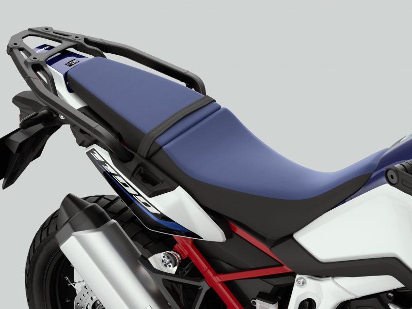 2022 Honda CRF1100L Africa Twin and Africa Twin Adventure Sports updated – rear carrier, lower screen Image #1337175